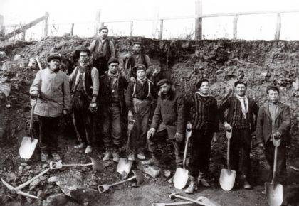 Fotos de algunos de los valencianos que emigraron a principios de siglo XX