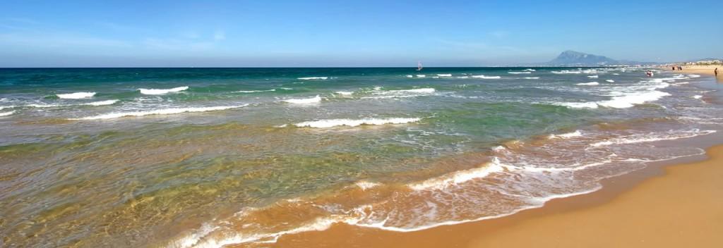 La playa de arena de Oliva, en Valencia