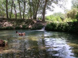 El nacimiento del río Vinalopó, un buen lugar para el baño