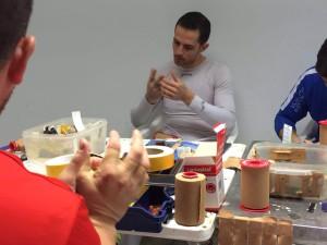 Jugadores preparándose antes de empezar la partida