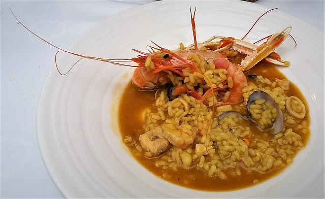 Cómo preparar un arroz caldoso de pescado