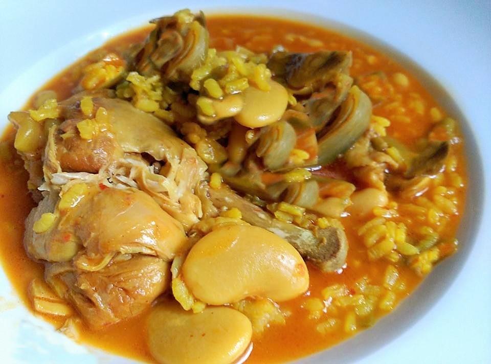 Cómo se prepara un arroz caldoso con pollo