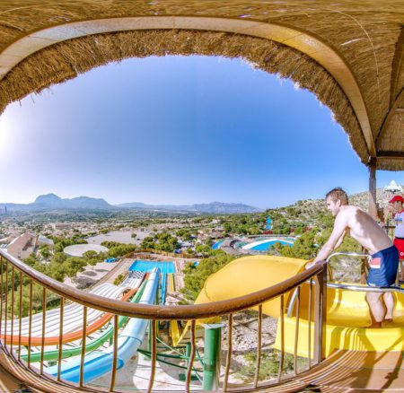 Los parques de atracciones cerca de casa para divertirte en verano