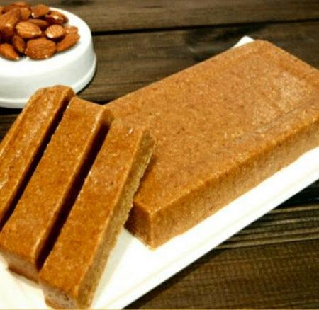 Historia gastronómica y #Receta | Turrón de almendra y miel